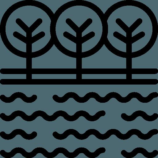 Ampla varanda térrea com vista para o lago
